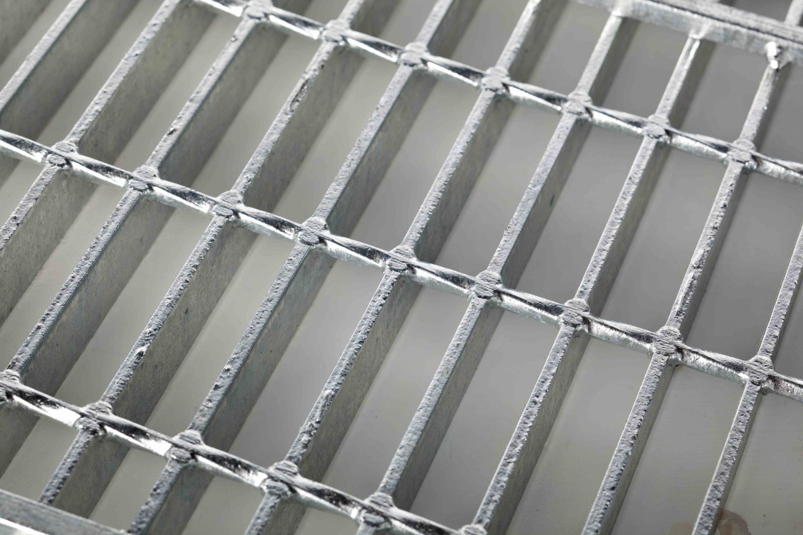 Plain-Gridforge-grating-for-web-scaled-1.jpg